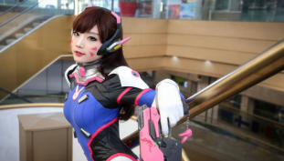 Check Out This Amazing D.Va Overwatch Cosplay