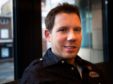Cliff Bleszinski Finds The PlayStation VR Gimmicky Right Now