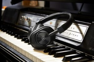 Master & Dynamic Unveils MW60 Bluetooth Headphones