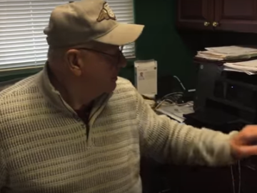 74-Year-Old Grandpa Bids Farewell to The MMO He's Been Playing Since the 90'S