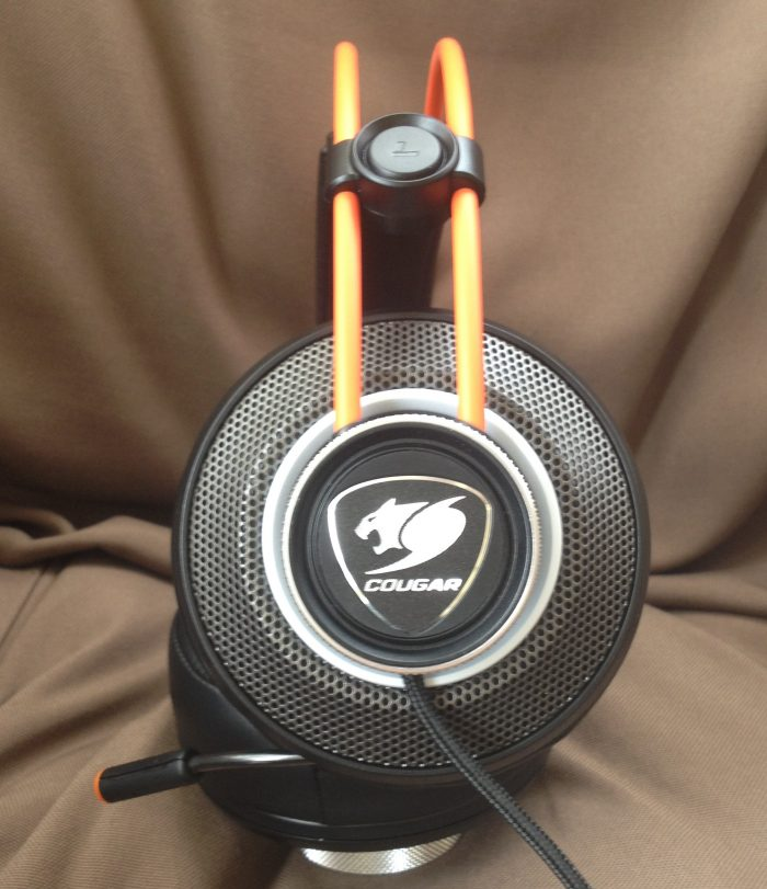 cb678e407a2 ... Cougar's Immersa Pro 7.1 RGB gaming headset does. Despite its bulky  appearance, the Immersa Pro weighs in at a decent 1.4 pounds/635 grams, and  cushions ...